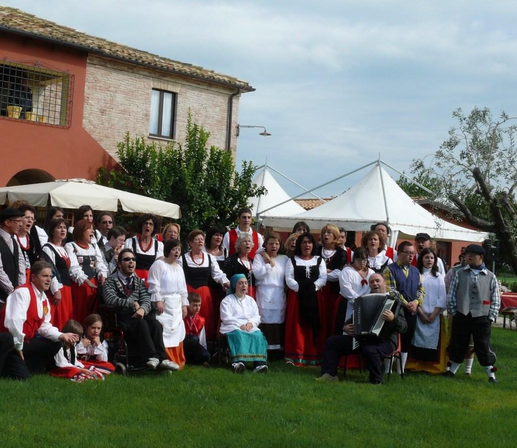 Il Coro Di Jorio con delegazioni polacche e lituane a Rurabilandia