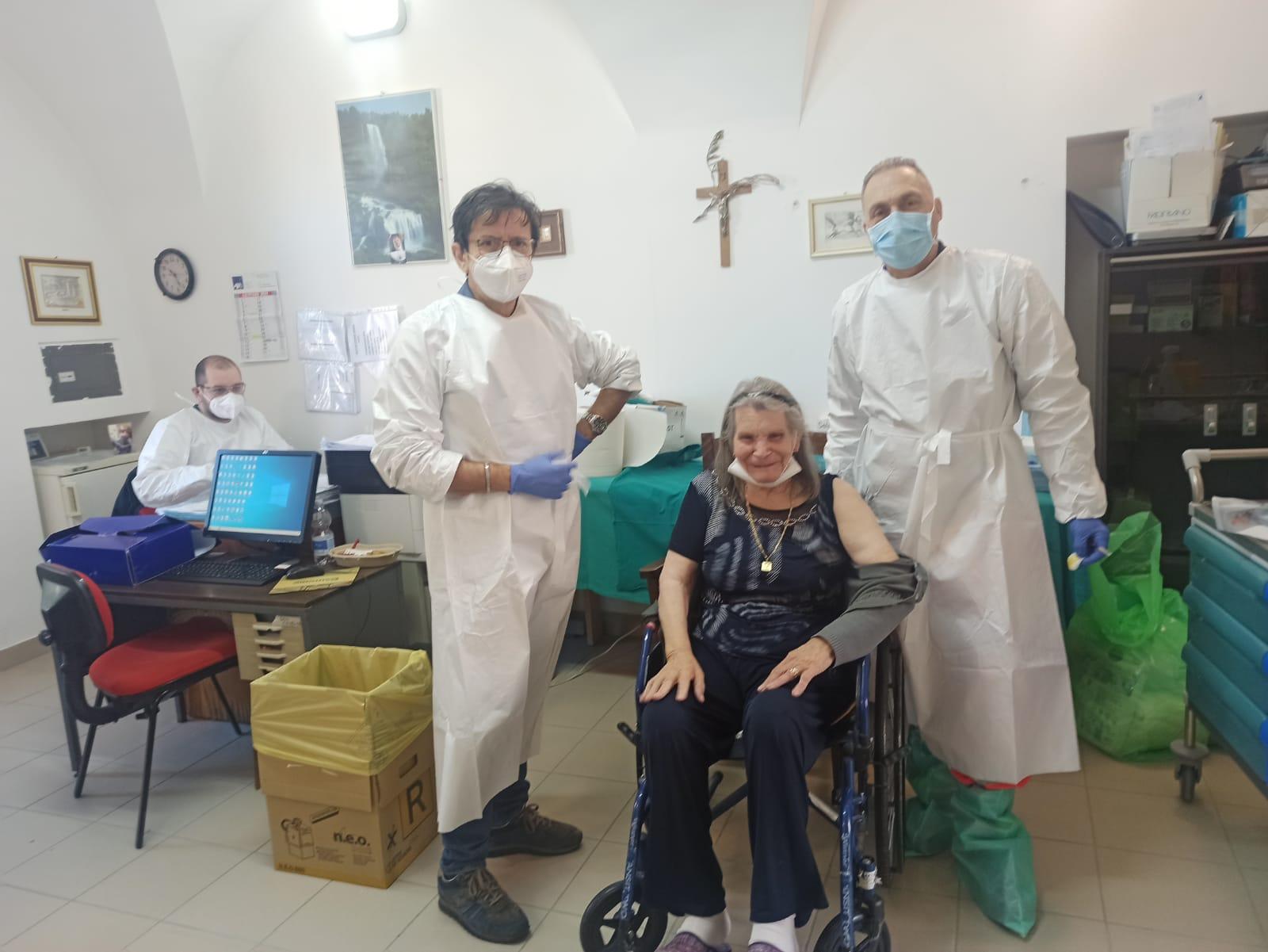 Vaccinati ospiti e operatori della casa di riposo S. Rita di Atri (Te)