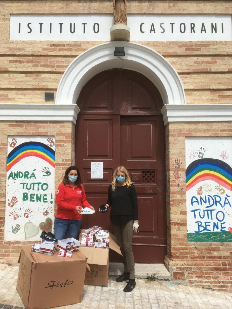 Croce Rossa e Globo donano calzature per i bimbi della casa famiglia di Giulianova (Te)
